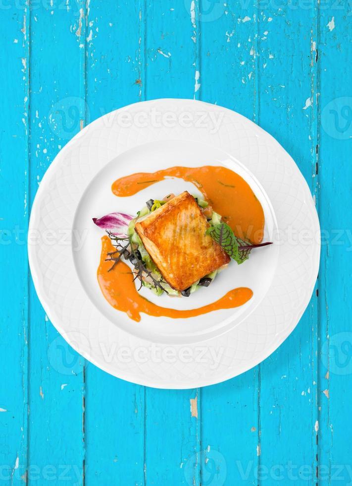 salmão, espinafre, gourmet foto