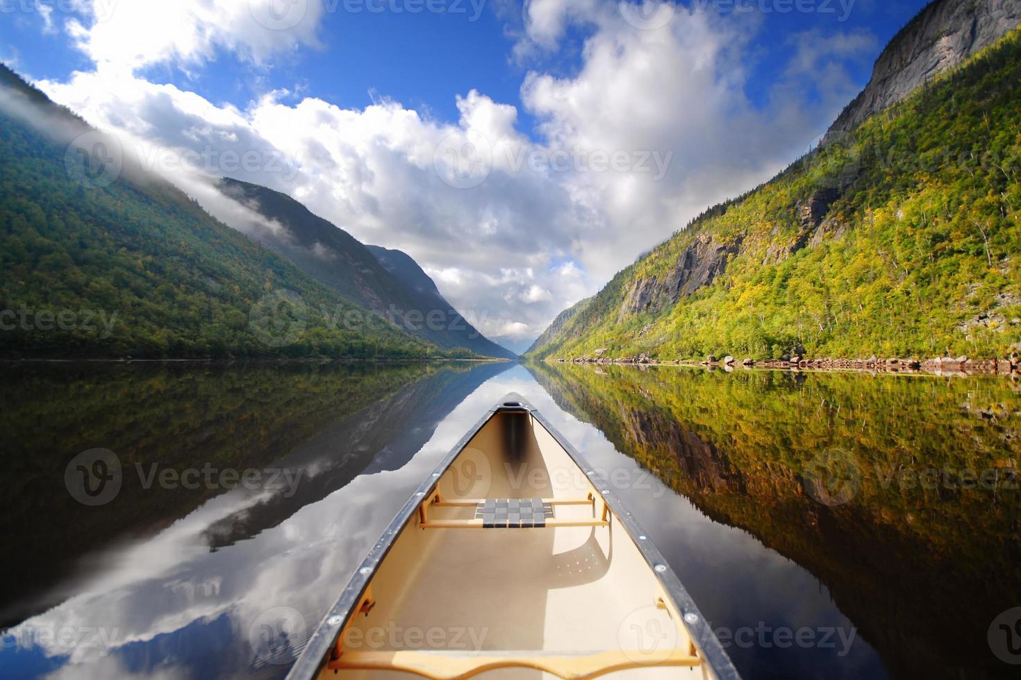 passeio de canoa foto