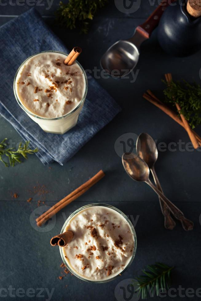 milkshake caseiro de sorvete de gemada foto
