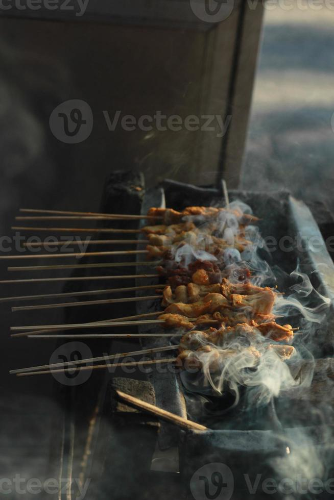 sate indonésia alimentos foto