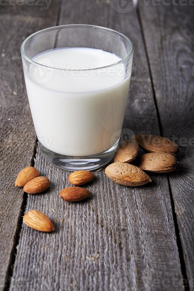 copo de leite de amêndoa foto