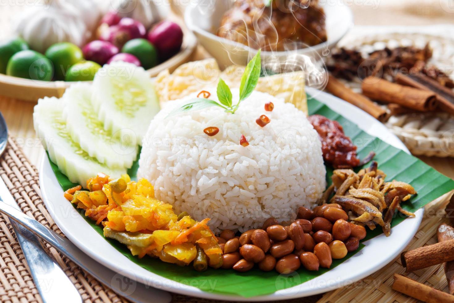 nasi lemak prato da malásia foto