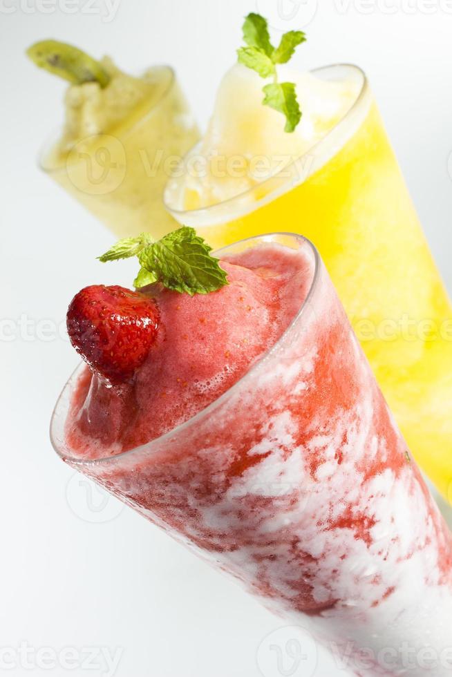 variedade de smoothies foto