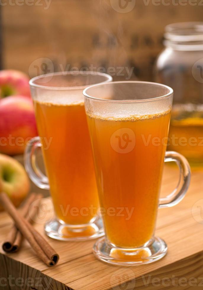 cidra quente de maçã foto