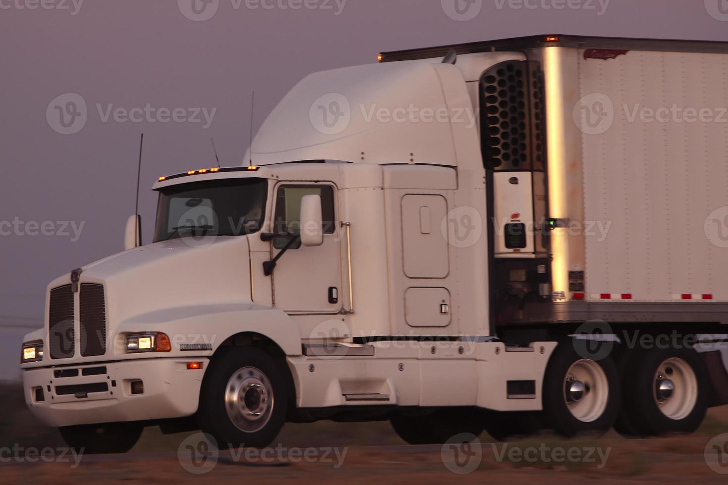 caminhão frigorífico foto