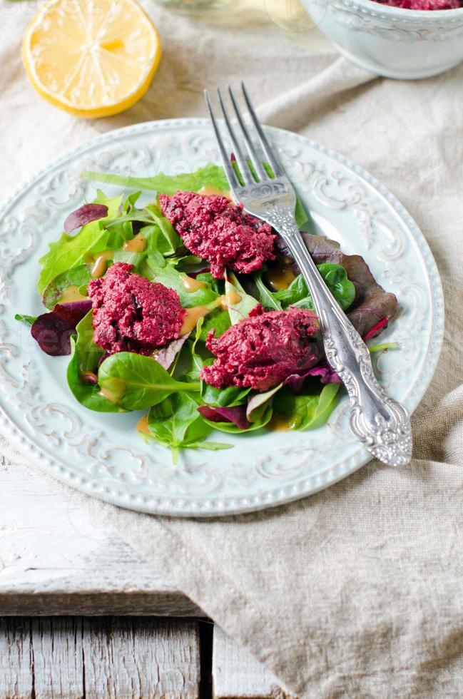 salada de beterraba com rúcula foto