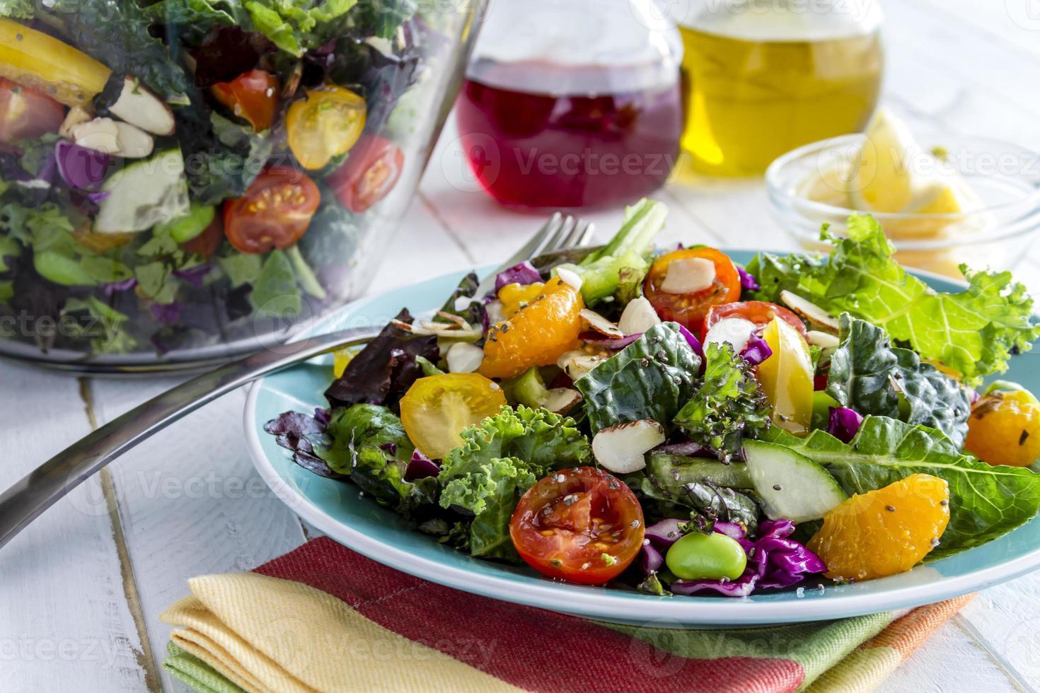 salada vegetariana super comida orgânica foto