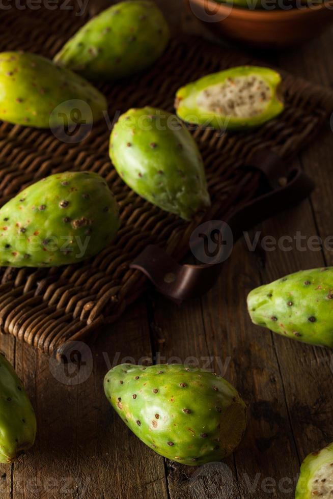 peras de cacto verde orgânico cru foto