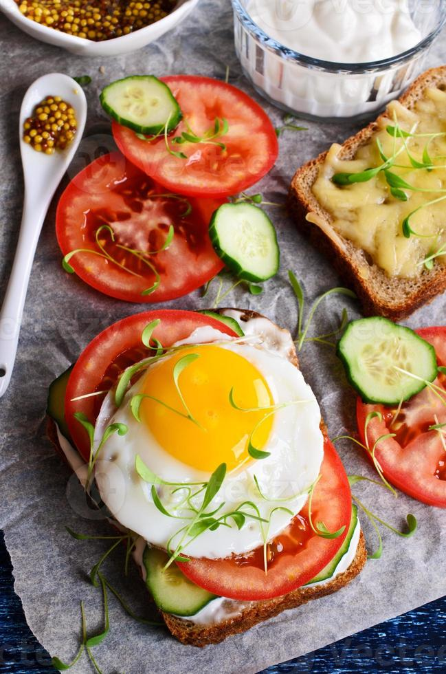 sanduíche com legumes foto