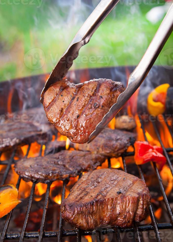bifes de carne foto