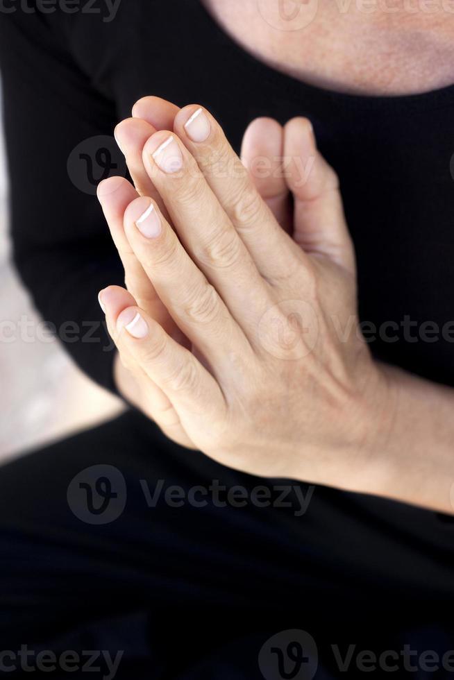 mãos de zen yoga foto
