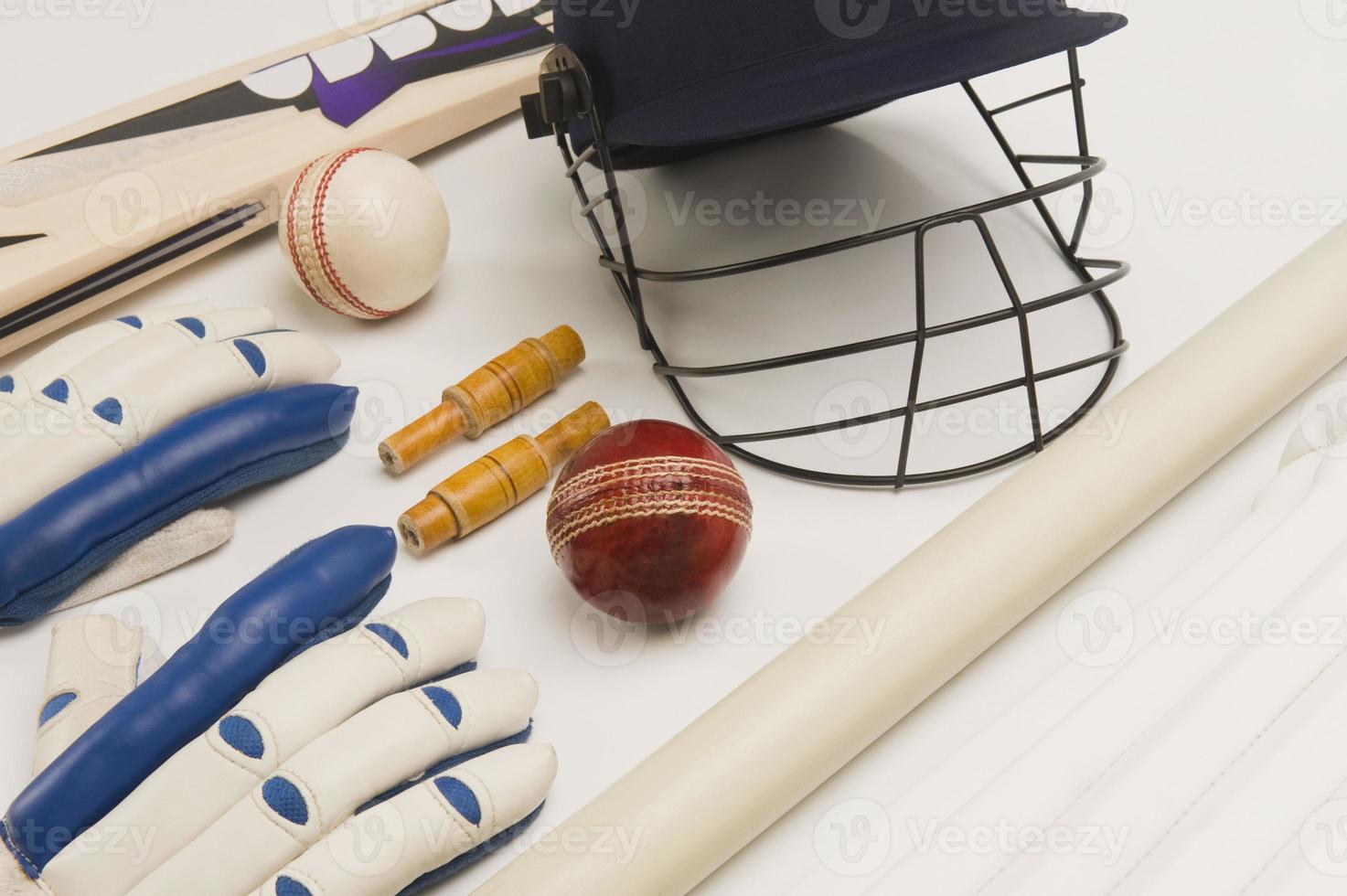 close-up de equipamento de críquete foto