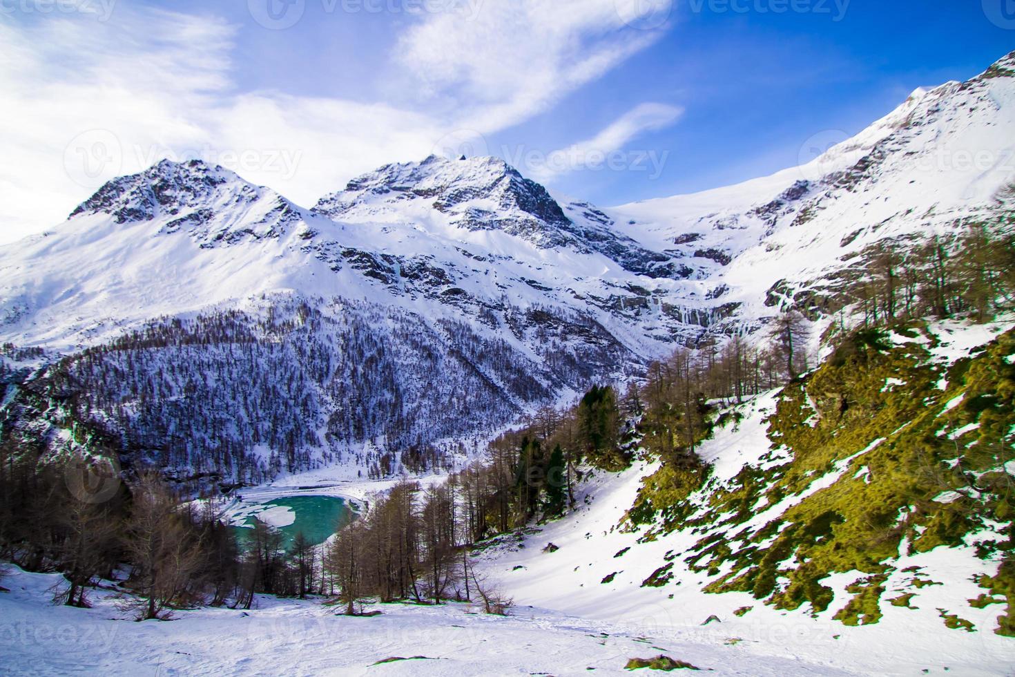 a bela paisagem dos Alpes foto