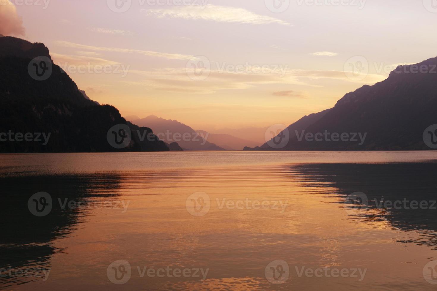 lago suíço foto