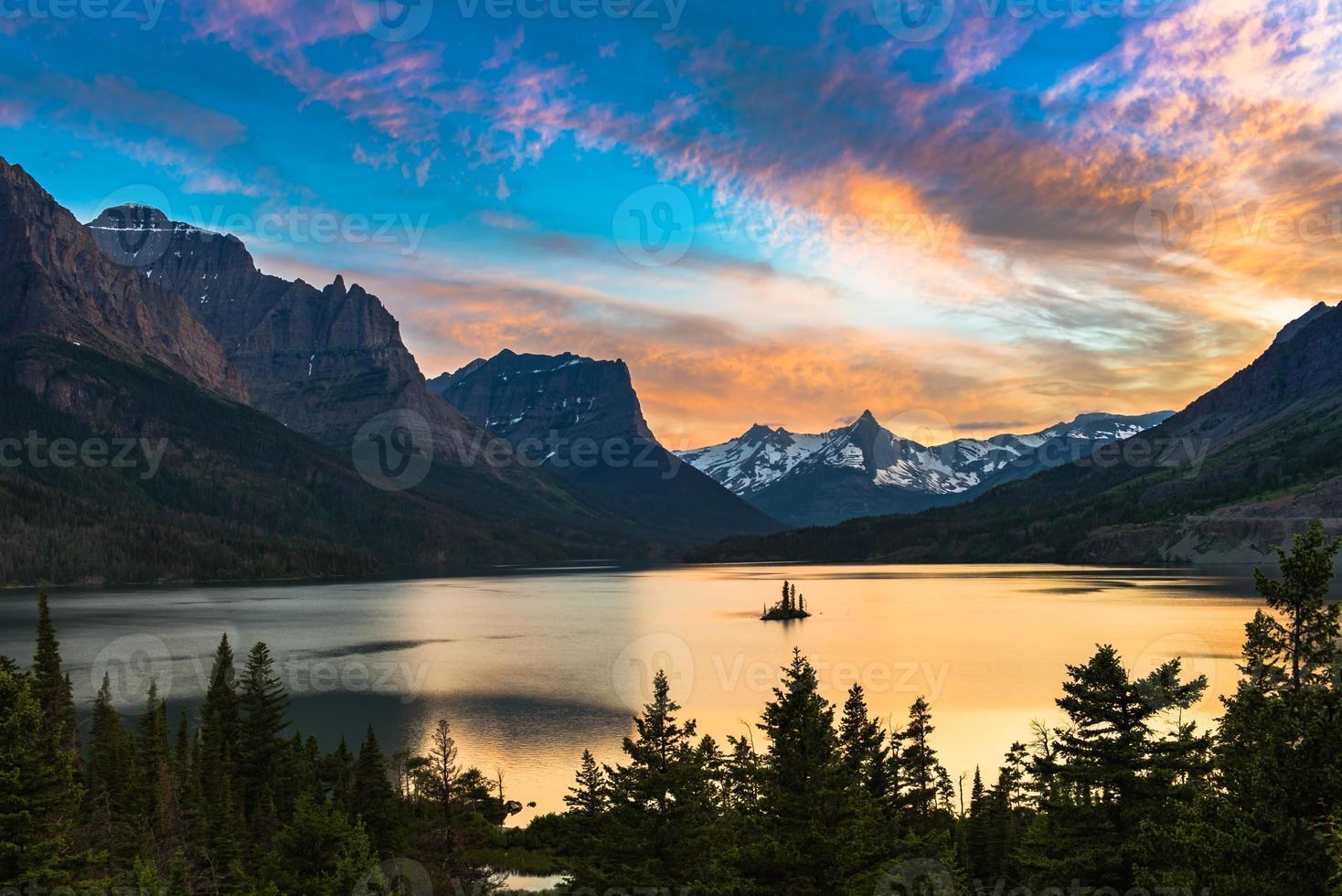 st. Mary Lake foto