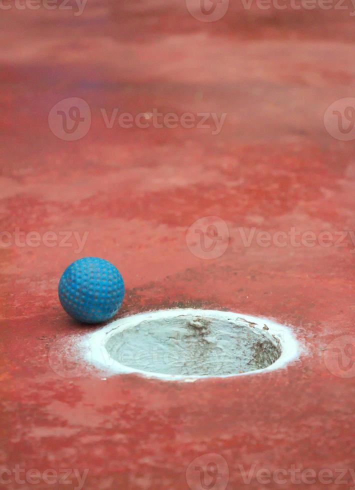 esporte de verão: mini bola de golfe foto