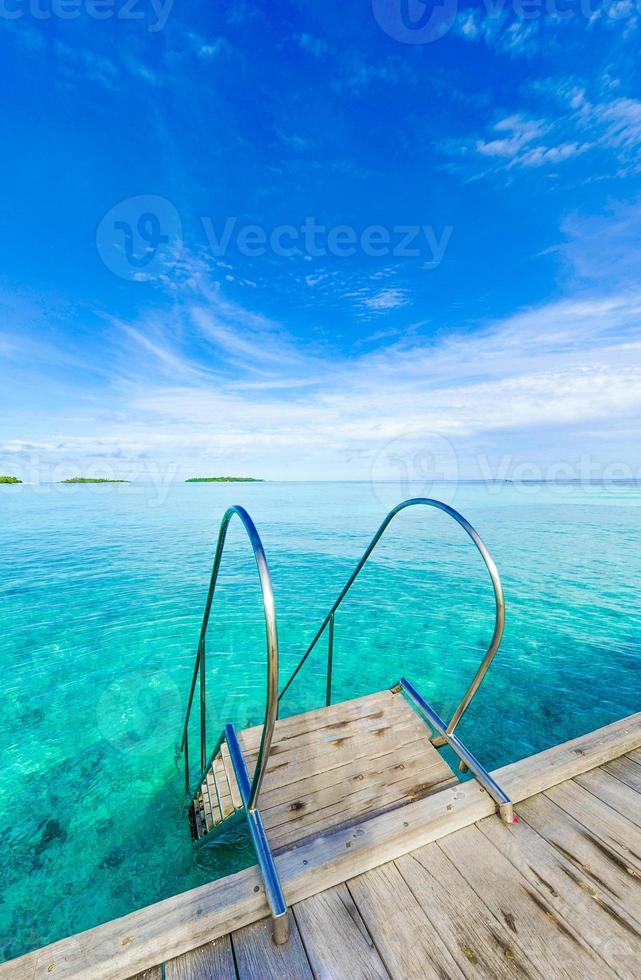 paraíso da piscina do mar foto