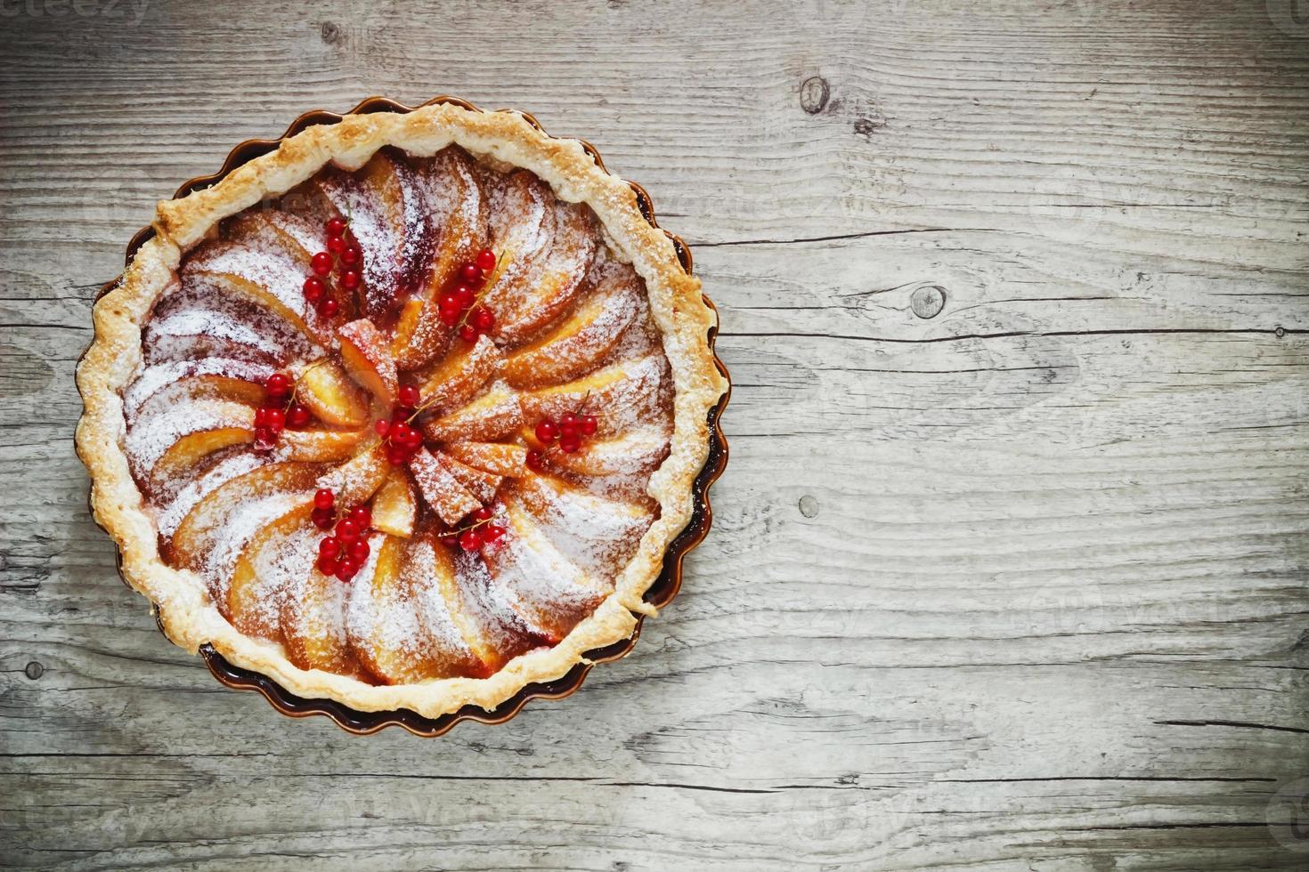 torta de frutas com pêssegos foto