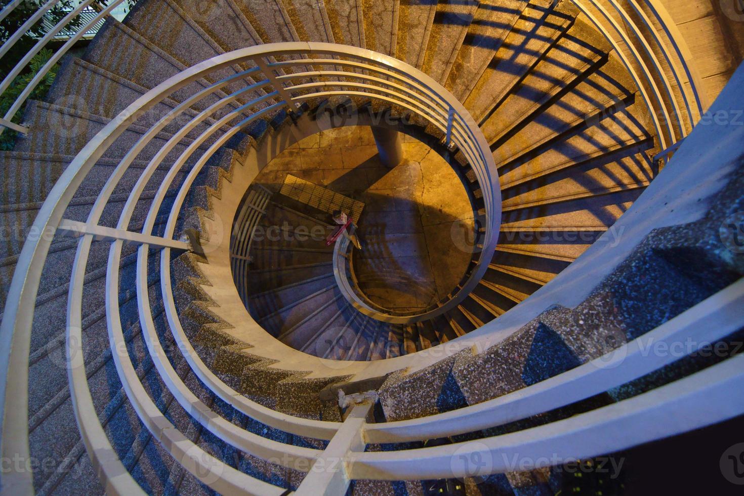 escada em espiral foto