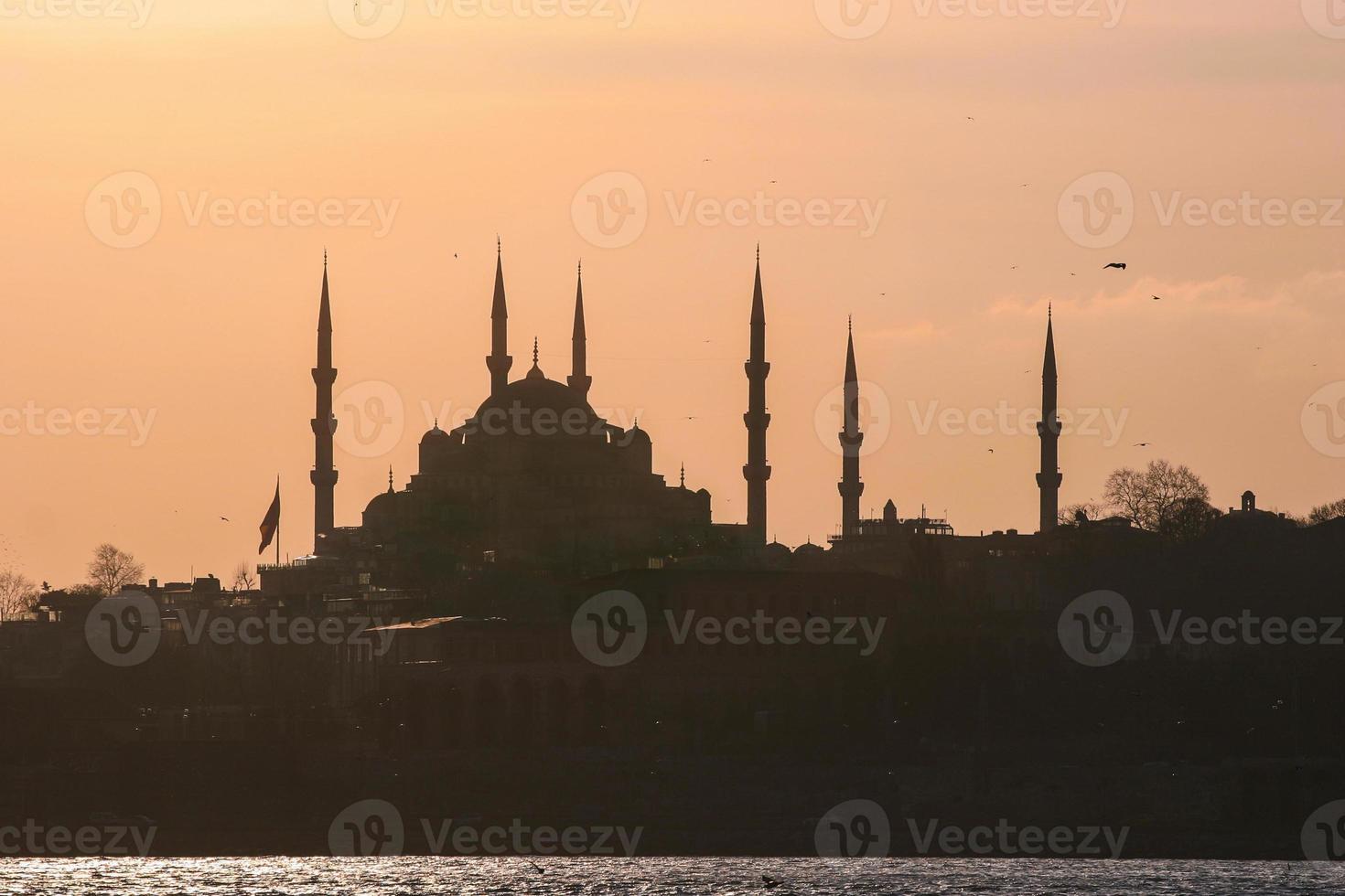 silhueta de istambul, turquia foto