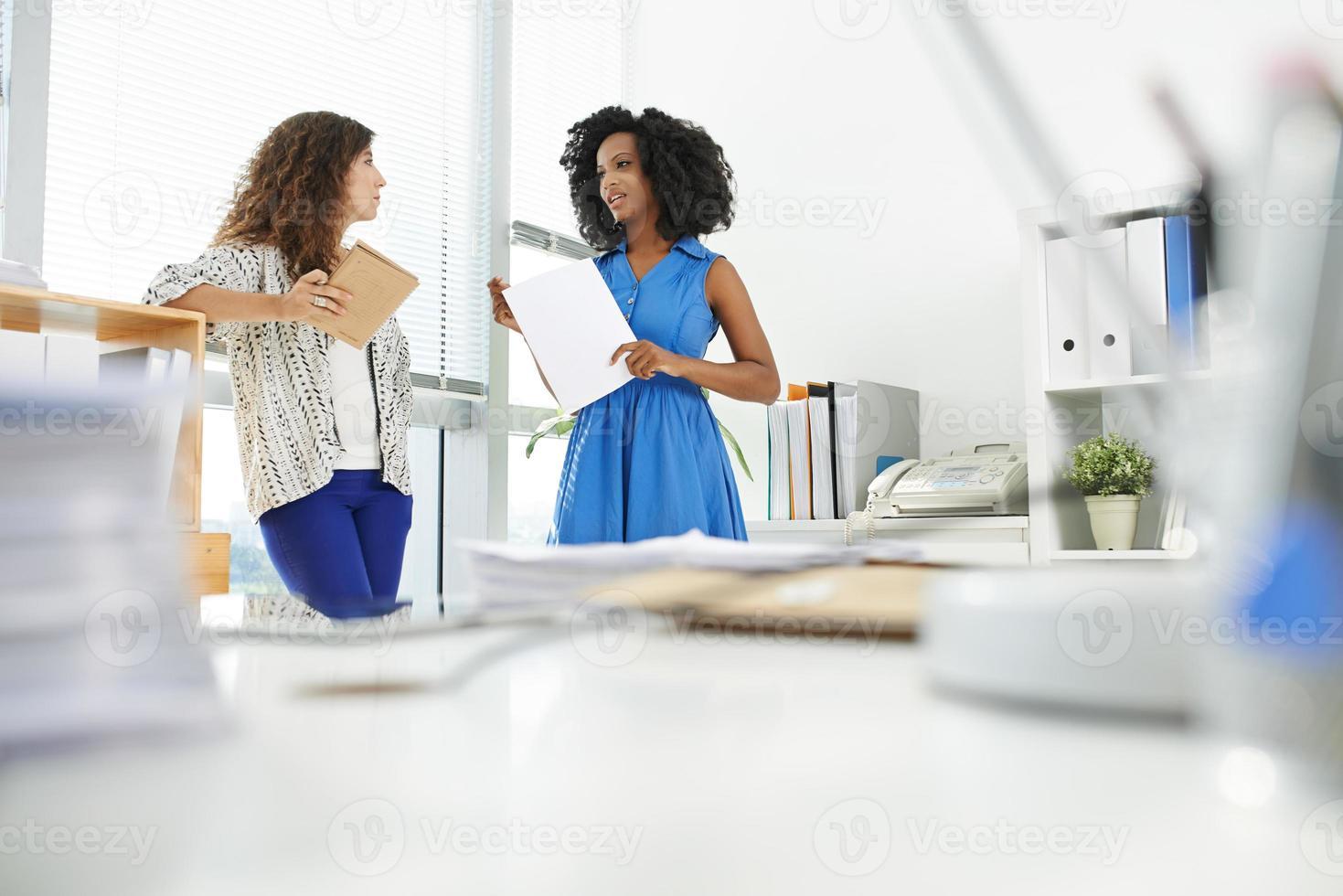 colegas do sexo feminino foto