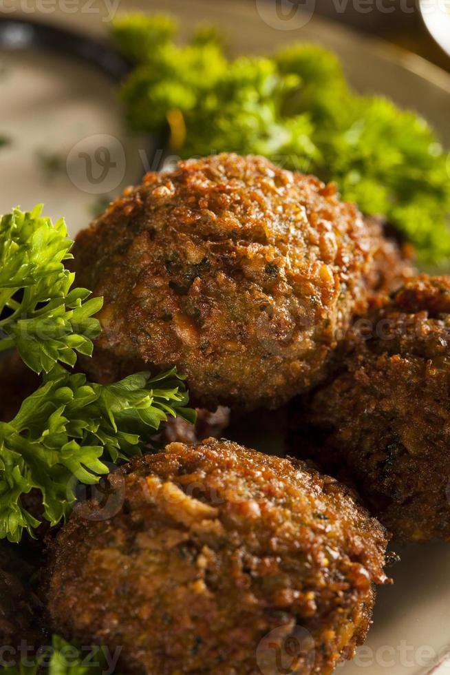 bolas de falafel vegetariano saudável foto