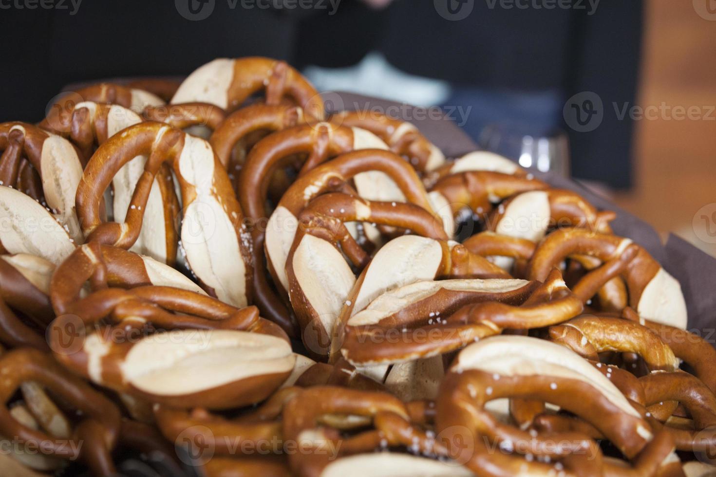 pretzel macio - padaria foto