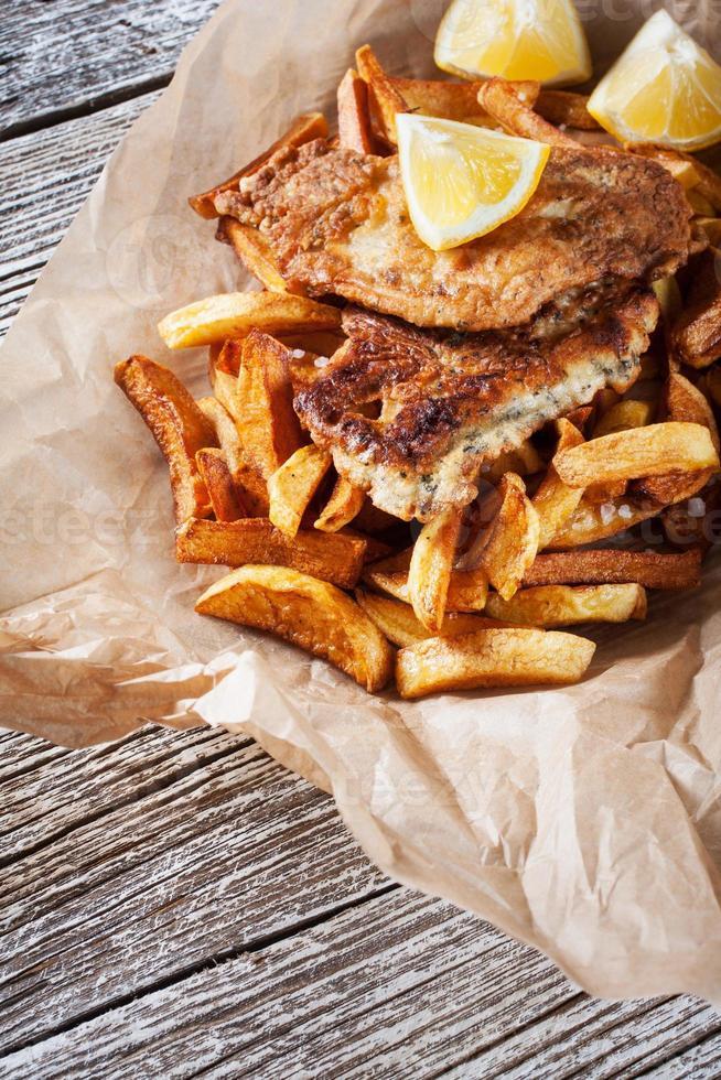 peixe e batata frita. foto