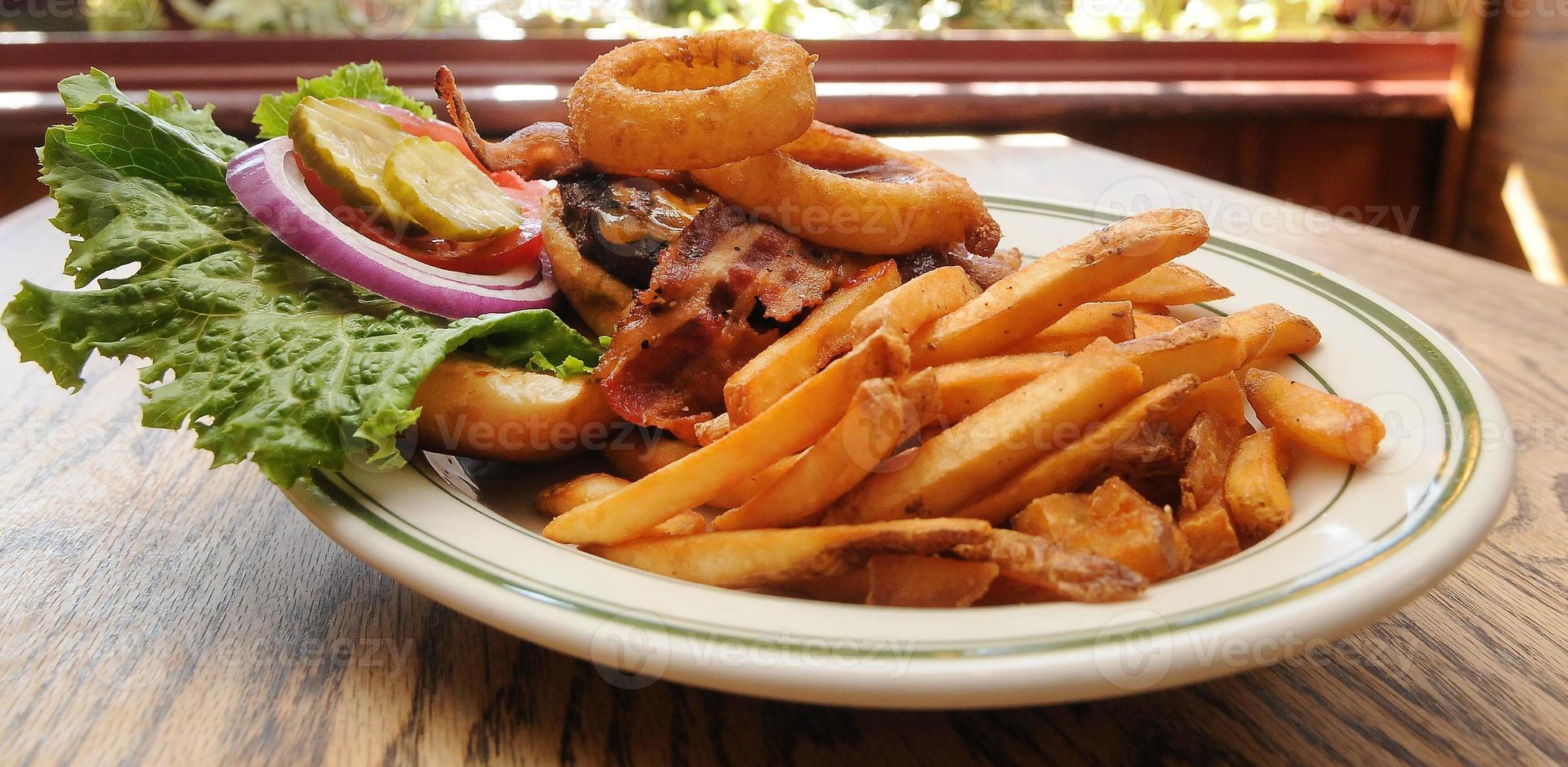 cebola, cheddar, bacon, hambúrguer, começo foto