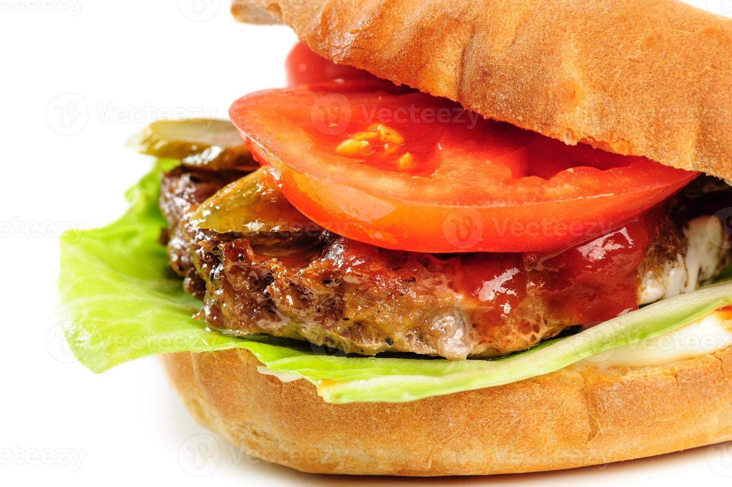 realista procurando parte de hambúrguer foto