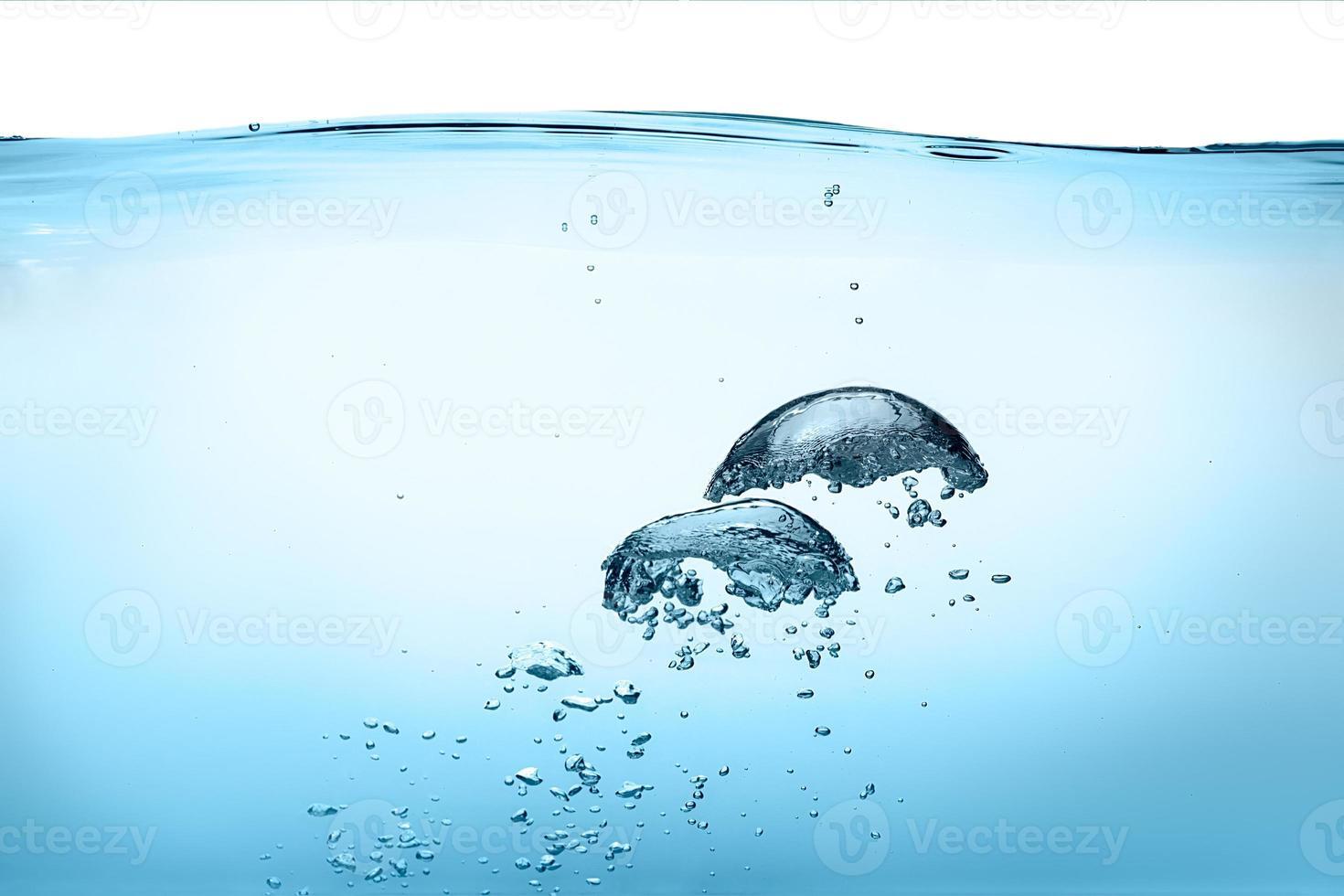 bolhas de oxigênio. água doce saudável foto