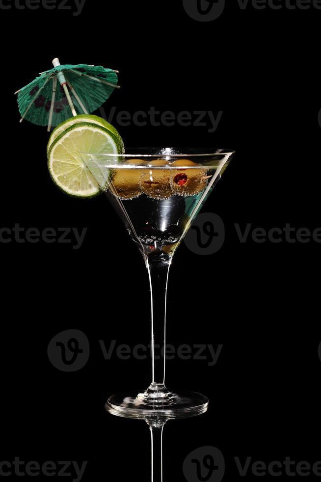 cocktail fresco margareta isolado em preto, estúdio foto