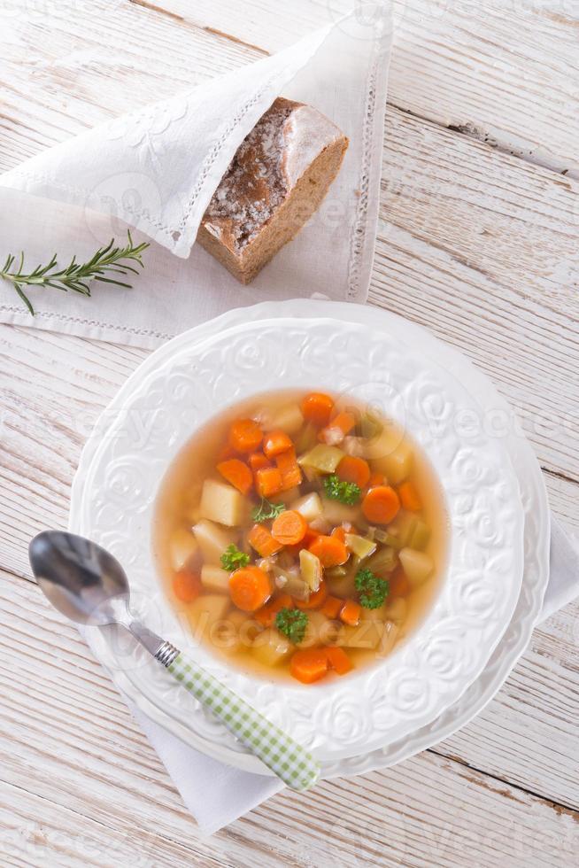 primavera com sopa de cenoura foto
