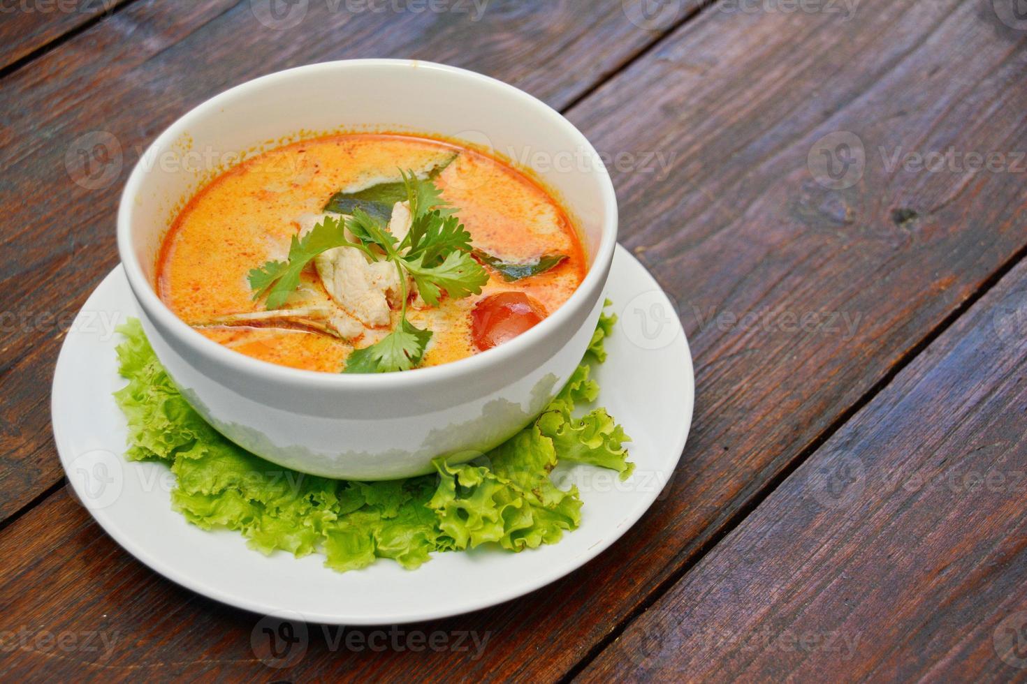 tom yum sopa - comida tailandesa foto