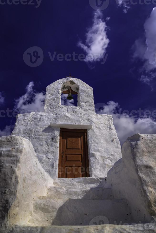 pequena capela grega tradicional foto