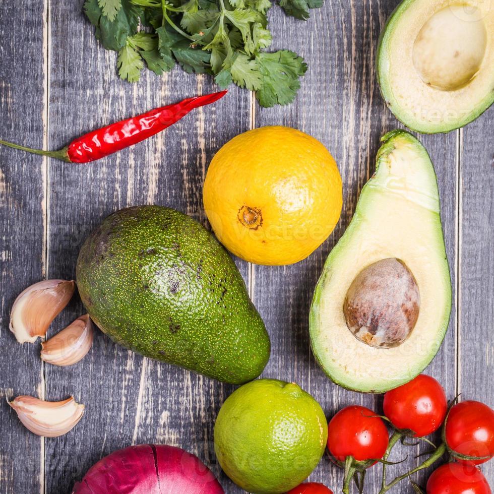 conjunto de legumes para molho guacamole foto