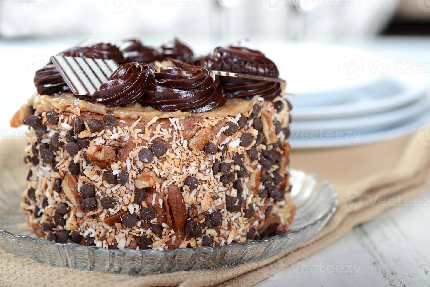 bolo de chocolate alemão inteiro foto