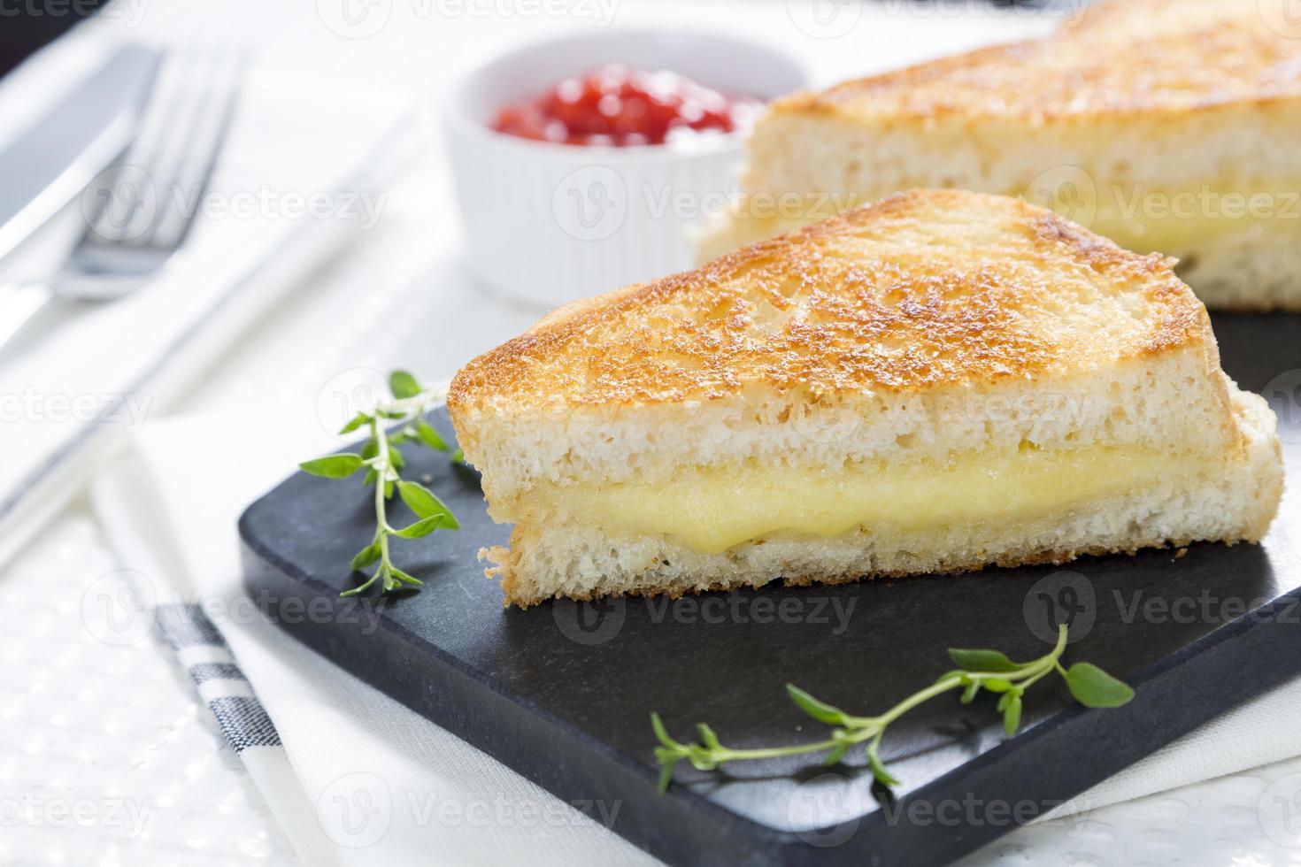 sanduíche de queijo torrado foto