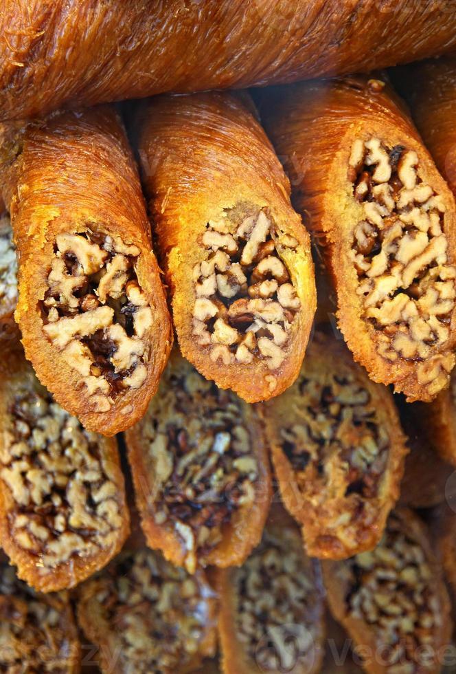 sobremesa de baklava turca tradicional foto