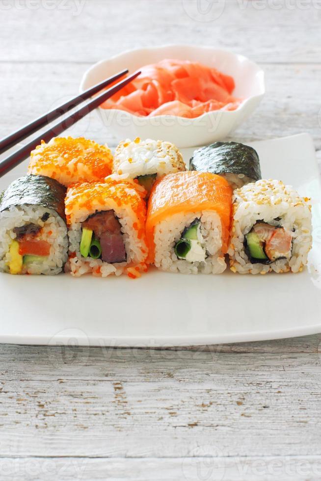 coleção de peças de sushi foto