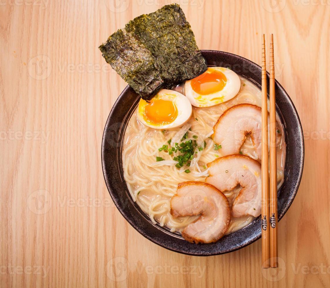 macarrão ramen japonês foto