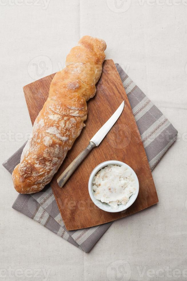 pão baguete foto