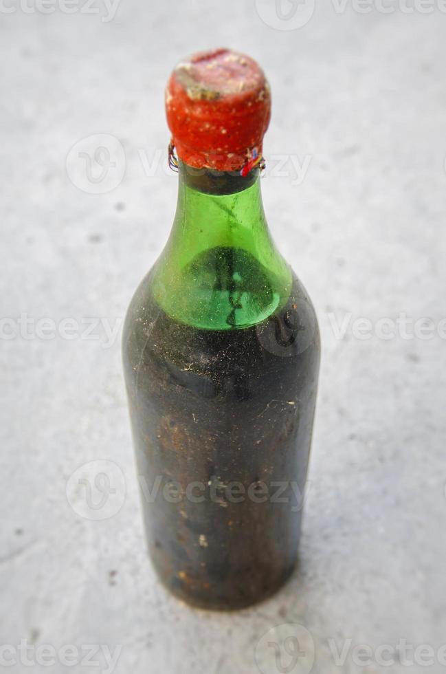 garrafa de vinho velha foto
