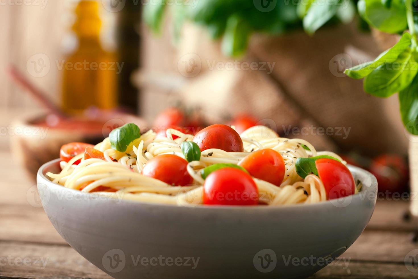 macarrão com azeite foto