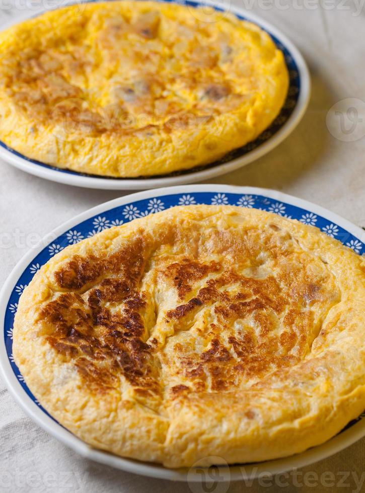 duas omeletes espanholas foto