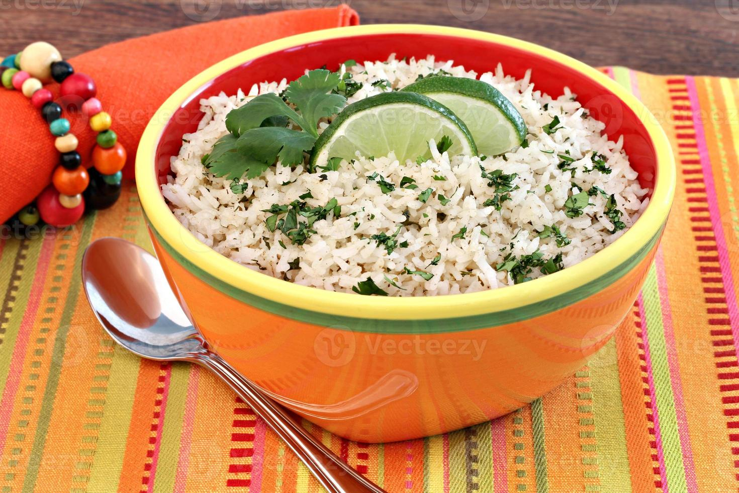 arroz basmati com coentro e limão foto