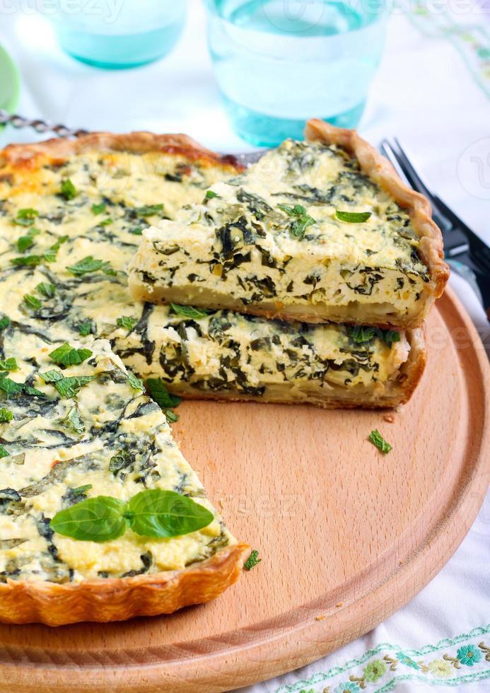 torta de queijo feta e espinafre, foto