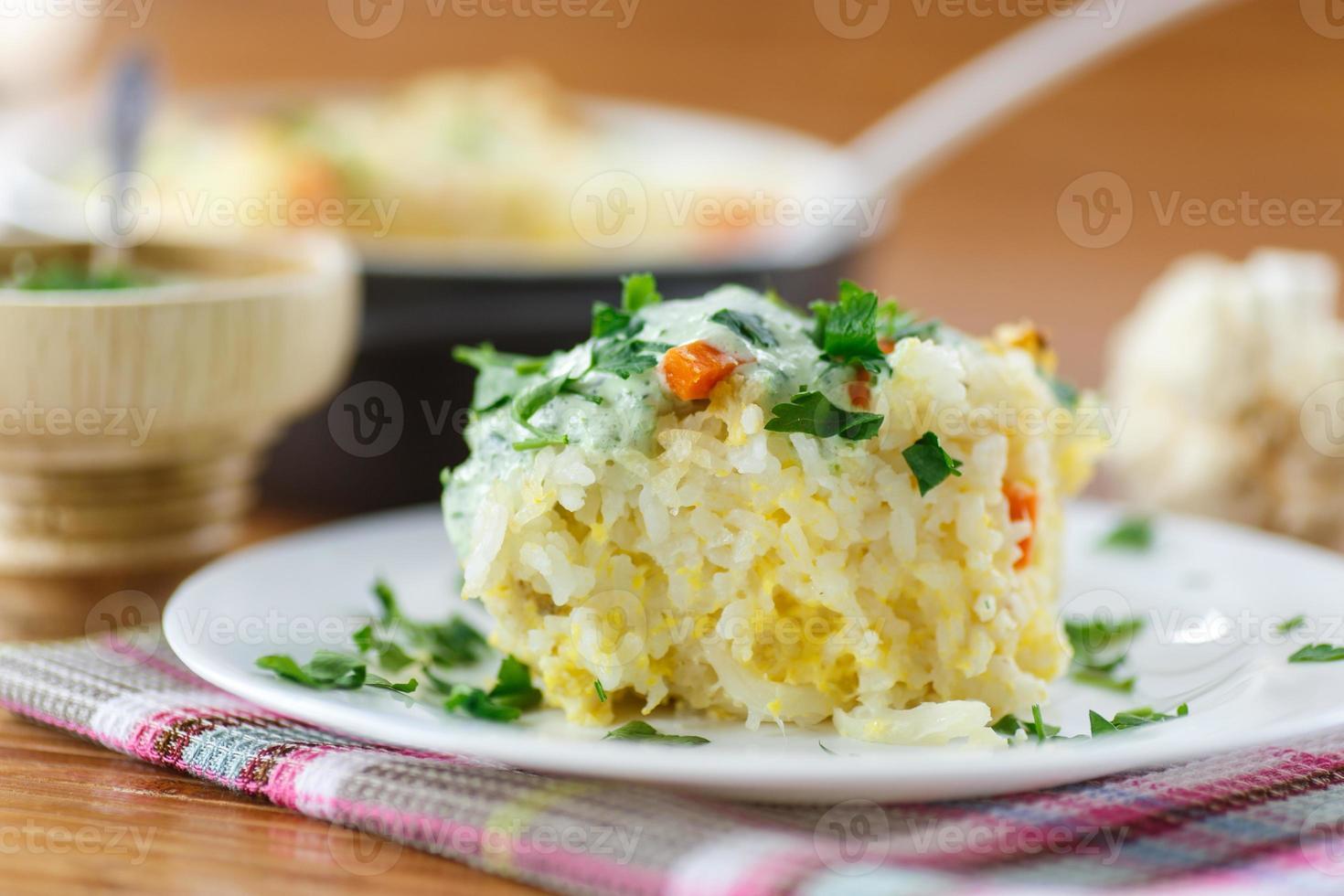 caçarola de arroz vegetal foto