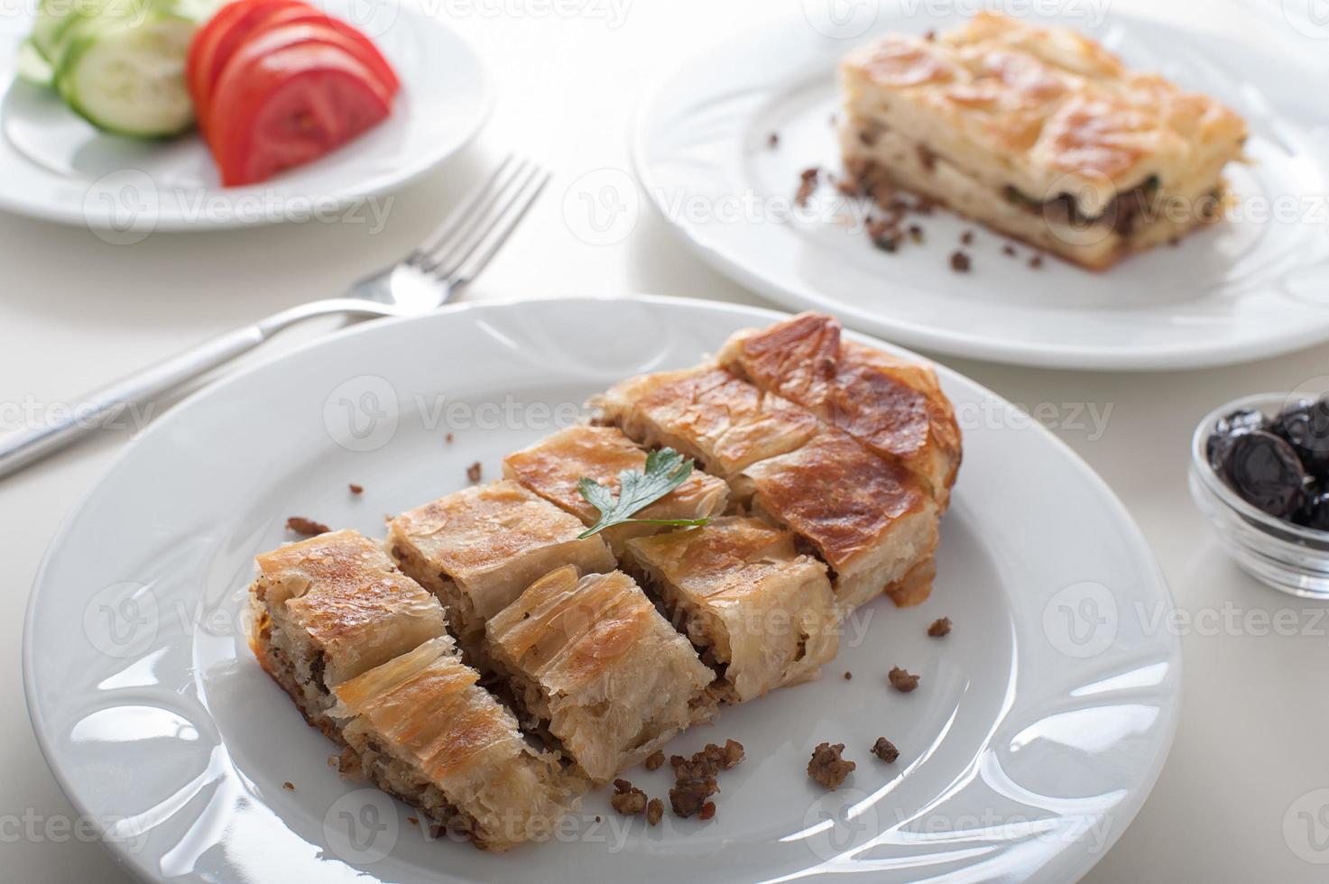 pequeno-almoço turco borek foto