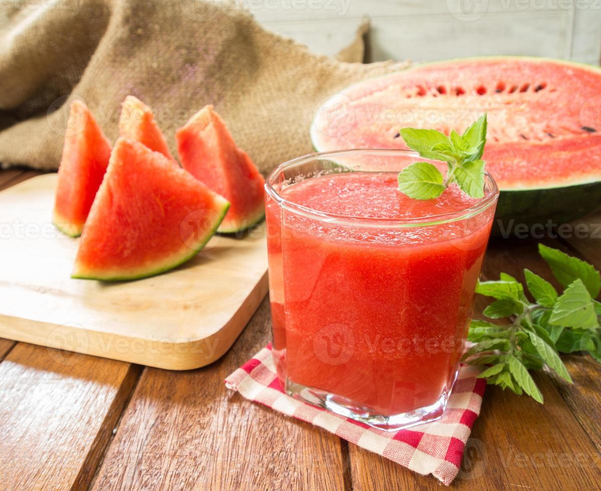 suco de melancia foto